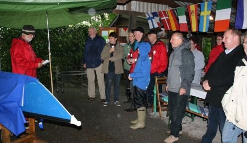 Ruderwart Fritz Kühn bei der Begrüßung der Gäste